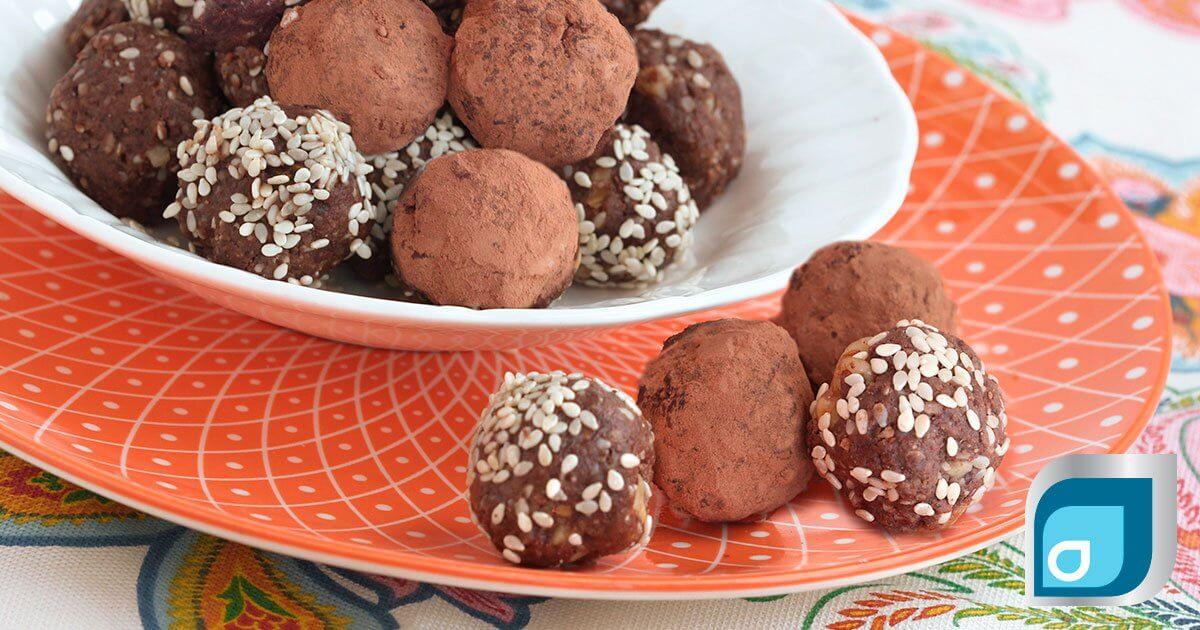 no-bake chocolate protein balls